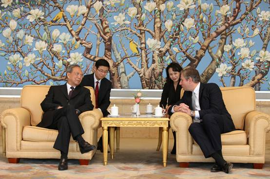 CCIEE Chairman Meets with Chairman and CEO of Alcoa-China