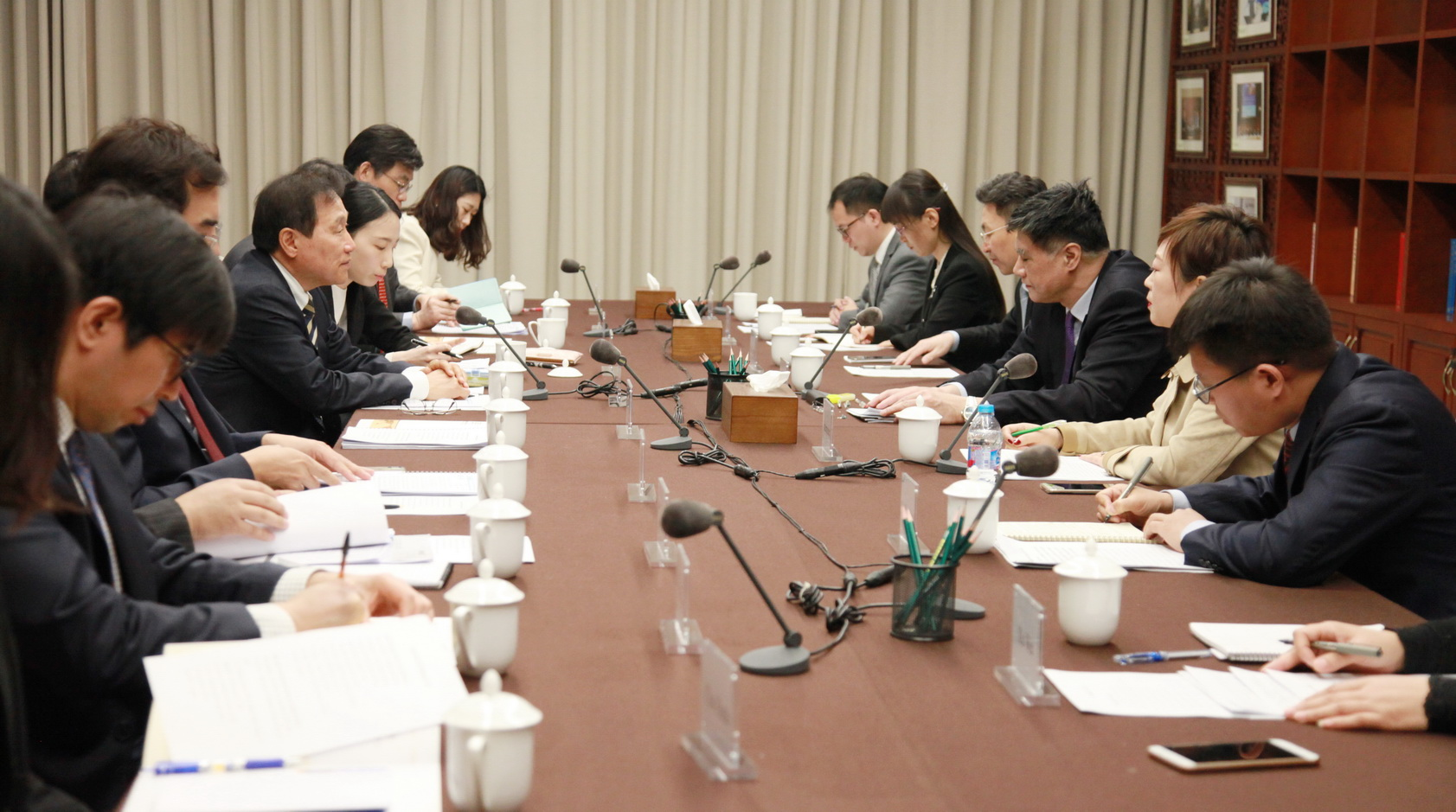 Zhang Xiaoqiang Meets with Vice Chairman of the National Economic Advisory Council of Korea