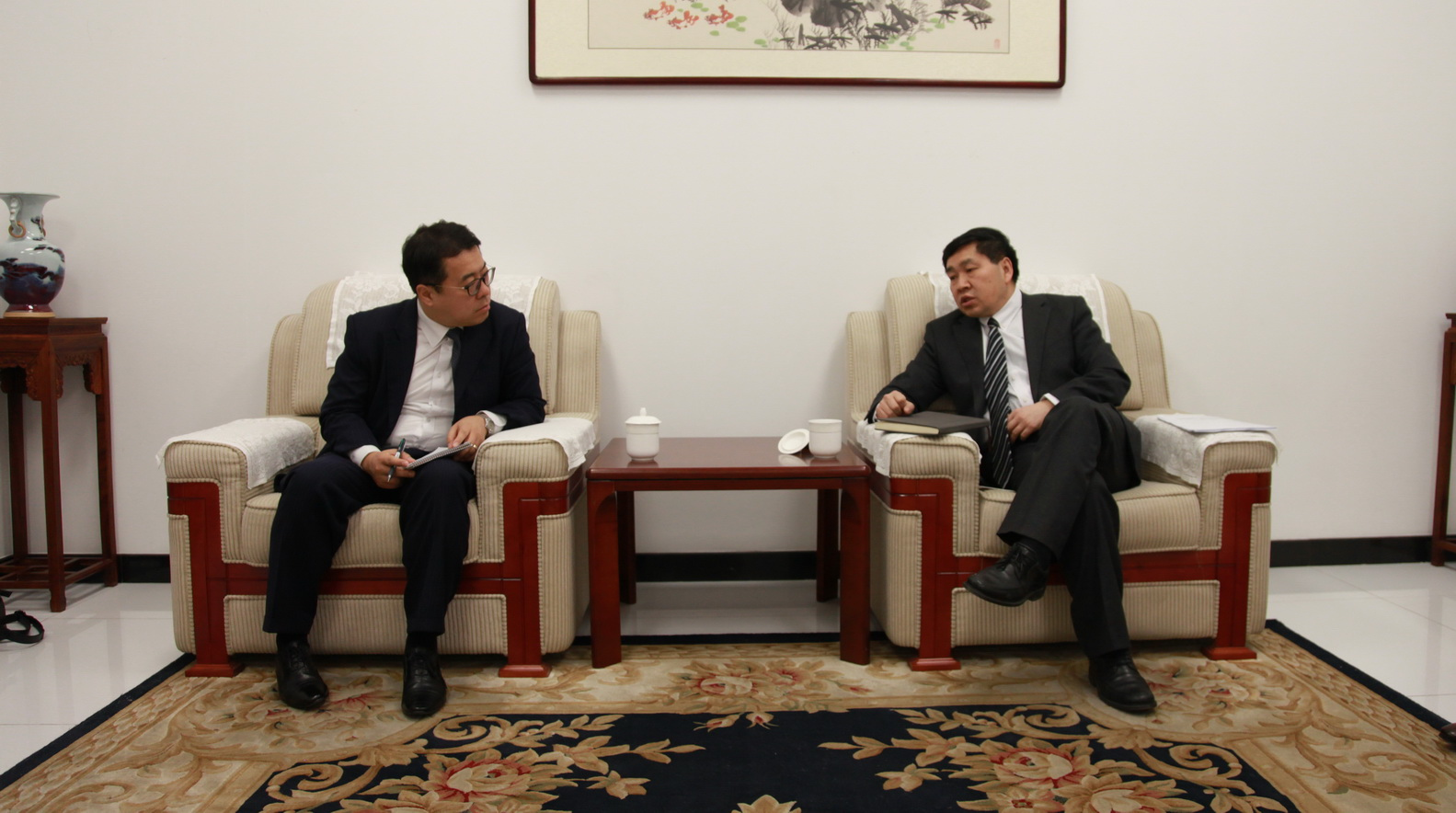 CCIEE Deputy Chief Economist Zhang Yongjun Meet with the Counselor of the Korean Embassy in Beijing