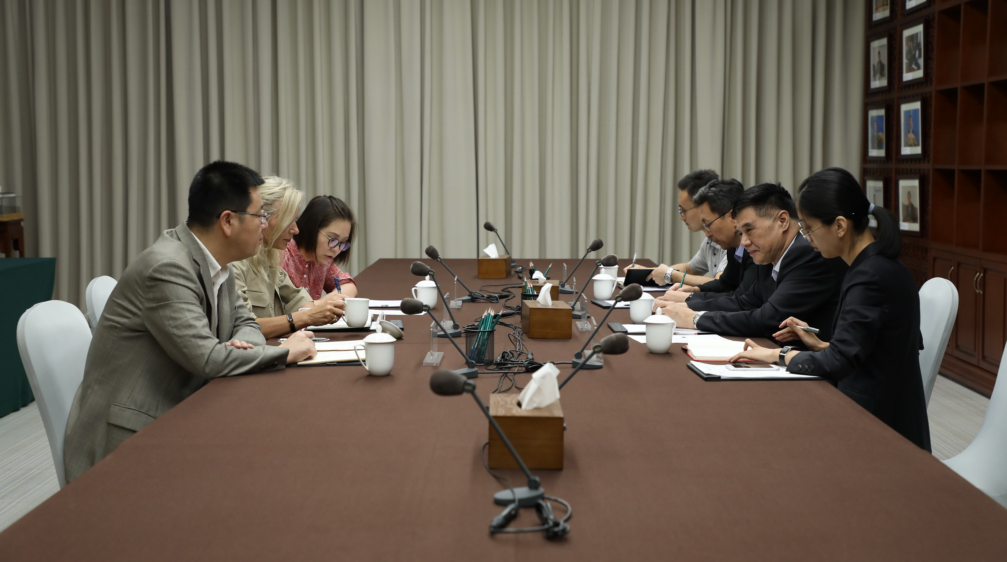CCIEE Executive Vice Chairman Zhang Xiaoqiang Meets with Ms. Deborah Lehr, Vice Chairman of the Paulson Institute